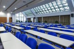 chairs mötelokal Arkivbild