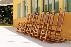 chairs oakvaggande Arkivbilder