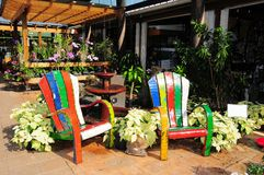 Chairs, pottery, flowers & plants, Florida Royalty Free Stock Photography