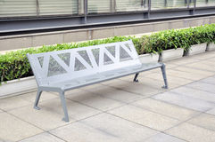chairs silvrig grå metall Arkivbild
