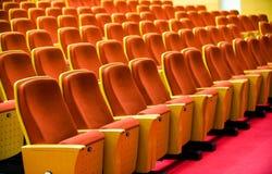 chairs theatren royaltyfri bild