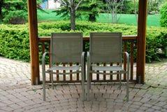 chairs uteplats två Royaltyfria Bilder