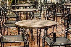 chairs uteplatsrestaurangen Royaltyfria Bilder