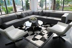 chairs white för företagsmottagningsrumlokal Royaltyfri Fotografi
