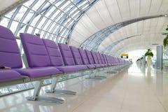 Chaise dans l'aéroport Photos stock