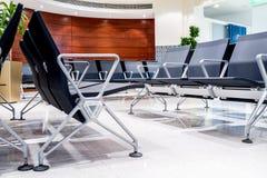 Chaise dans le lobby de l'aéroport Image stock
