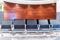 Chaise dans le lobby de l'aéroport Photographie stock