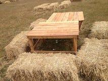 Chaise de foin dans les terres cultivables Photo stock