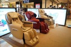 Chaise de massage de soins de santé à vendre image stock