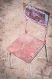Chaise en bois de vintage pour des enfants Images stock