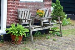 Chaise en bois traditionnelle aux schans de zaanse aux Pays-Bas près d'Amsterdam image libre de droits