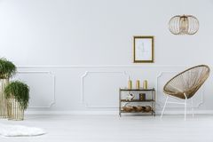 Chaise en osier moderne Photographie stock
