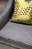 Chaise et coussin de luxe images stock