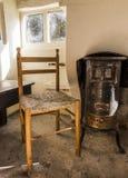 Chaise et fourneau de Chambre de chasseurs images libres de droits