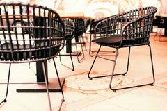 Chaise ext?rieure en osier photos libres de droits
