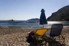 Chaise-longues op een strand Royalty-vrije Stock Afbeelding