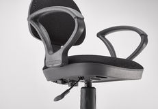 Chaise pivotante noire de bureau Image libre de droits