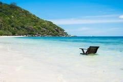 Chaise sur l'eau Images stock