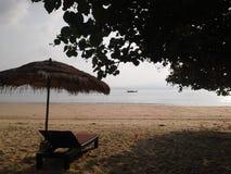 Chaise sur la plage, île d'igname de PA, Thaïlande Image stock