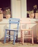Chaises de café de trottoir Images stock