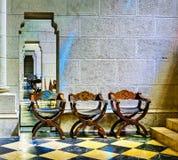 Chaises de cathédrale d'Almudena Images libres de droits
