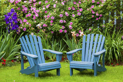 Chaises de jardin image libre de droits