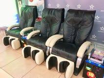 Chaises de massage images libres de droits