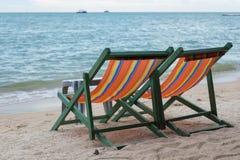 Chaises de plage à la plage de Pattaya Photos stock