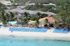 Chaises de plage au Turc grand, Bahamas Photo stock