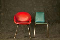 Chaises de vintage sur le fond foncé Photo libre de droits