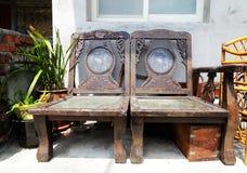Chaises en bois antiques de style chinois Photo stock