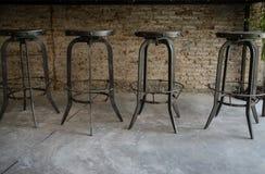 Chaises en bois et en métal Images stock