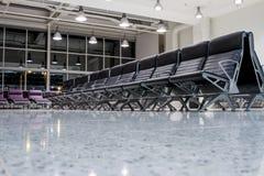 Chaises en de room Images libres de droits