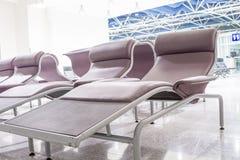 Chaises en de room Photographie stock libre de droits