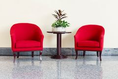 Chaises et table photos libres de droits
