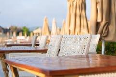 Chaises et Tableaux de station de vacances Images stock