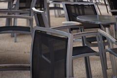 Chaises et tables Photographie stock