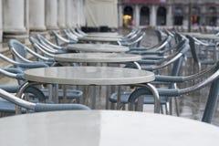 Chaises humides sur San Marco photographie stock libre de droits