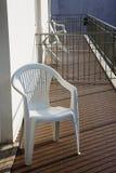Chaises sur le balcon photos stock