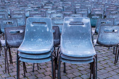 Chaises vides Photo stock
