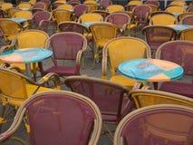 Chaises vides Images stock