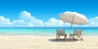 Chaisevardagsrum och paraply på sandstrand.