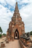 Chaiwattanaram-Tempel am bewölkten Tag in Ayutthaya, Thailand lizenzfreies stockbild