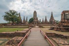 Chaiwattanaram-Tempel am bewölkten Tag in Ayutthaya, Thailand lizenzfreie stockfotos