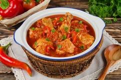 Chakhokhbili - cozido de galinha com tomates imagem de stock royalty free