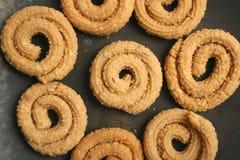 Chakli is een populaire Indische feestelijke snack stock afbeeldingen