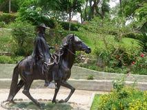 Chalan e estátua peruana do cavalo de Paso em Barranco Fotos de Stock
