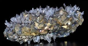 Chalcopyrite, Pyrit und Kalzit Lizenzfreie Stockbilder