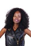 Chaleco adolescente afroamericano atractivo del cuero de la muchacha Imágenes de archivo libres de regalías