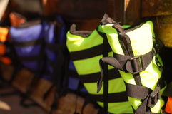 Chalecos salvavidas coloridos Imagen de archivo libre de regalías